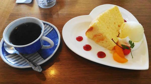 0002ケーキセット.JPG